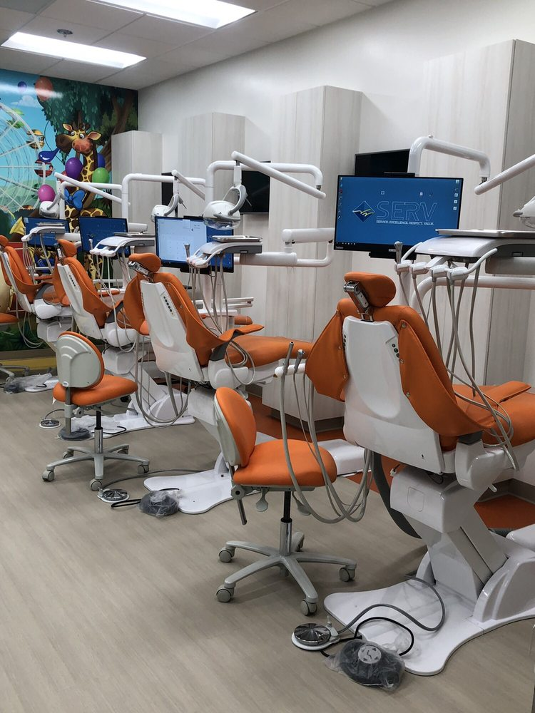 Pediatric Dentist in Rialto, CA, USA - BarefootStudent com